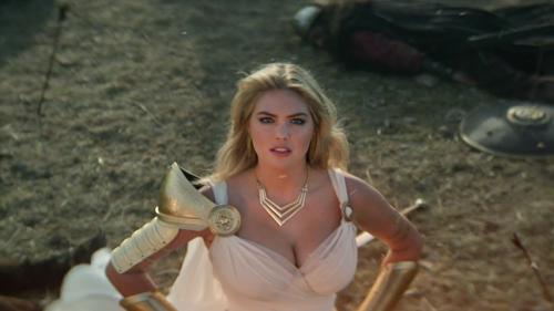 Кейт Аптон снялась в рекламе Game of War