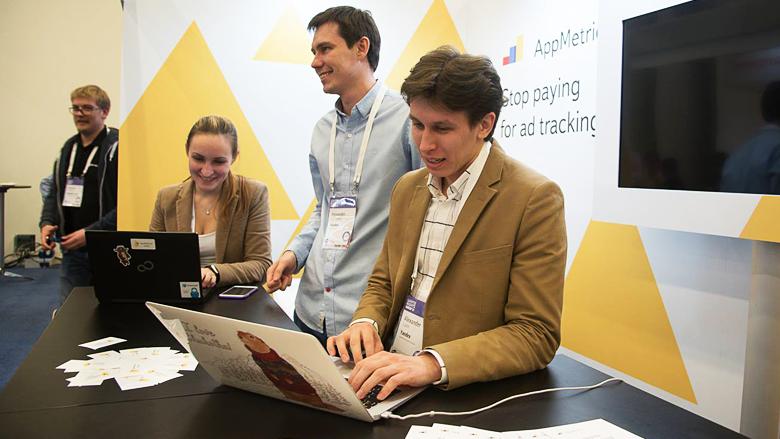 White Nights Moscow 2015 - доклад Yandex об бесплатной аналитике AppMetrica